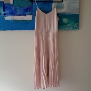 Spaghetti strap pleated ballet style pink dress M